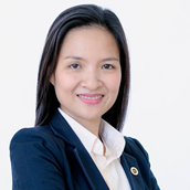 Bà Hồ Hoàng Oanh